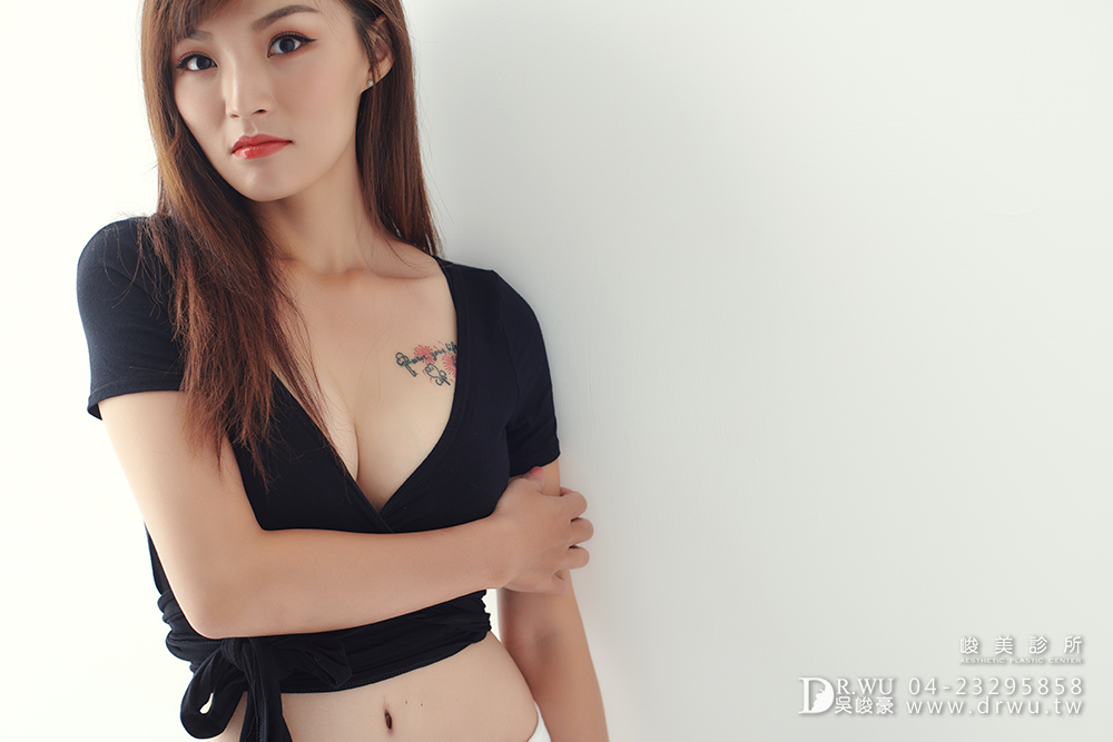 【絨毛面果凍矽膠隆乳】產後胸部變形,隆乳媽咪也可以有少女般的酥胸|峻美診所