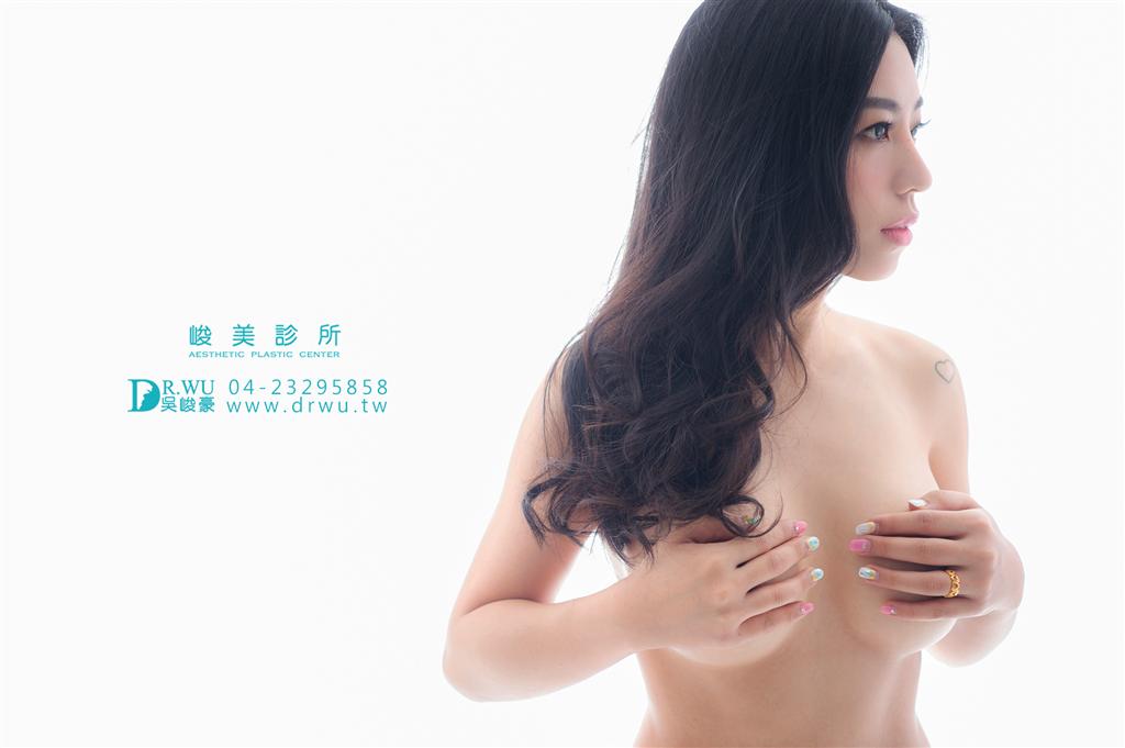 【隆乳材質很重要】果凍矽膠隆乳觸感就是超級軟,分享我的隆乳心得!!吳峻豪醫師|峻美診所