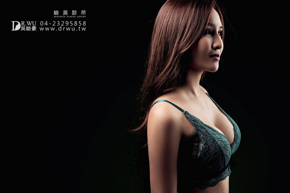 【魔滴女神】解封上胸,報復性隆乳評價五顆星!|Motiva波力媚隆乳材質|內視鏡果凍矽膠隆乳手術|